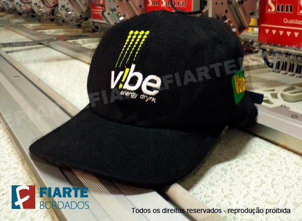 ... Boné promocional preto bordado - Vibe Energy Drinks ... 29e8d01437b